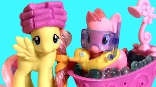 getlinkyoutube.com-MLP Pinkie Pie & Fluttershy Ponies Crystal Sparkle Pool Bath Toys My Little Pony by Disneycollector