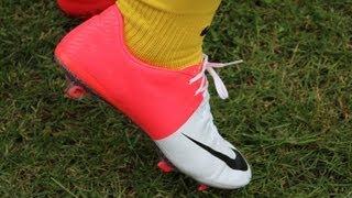 getlinkyoutube.com-New Cristiano Ronaldo boots: Nike Mercurial Vapor 8 FG | Unboxing