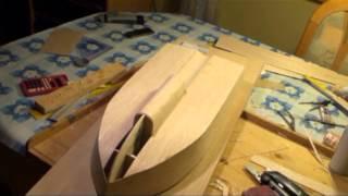 Łódka do wywozu zanęty - budowa (bait boat)