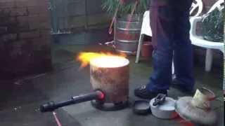 getlinkyoutube.com-Backyard foundry making copper ingots