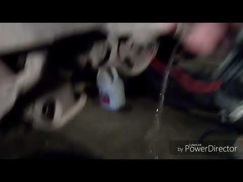 Как снять моторчик омывателя cedric y33,gloria y33,leopard y33