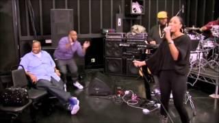 "getlinkyoutube.com-Tamar Braxton sings ""Love & War"""