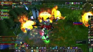 getlinkyoutube.com-WOW Multibox 5 shaman AB 5 min win