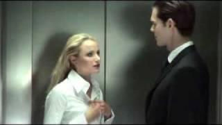 getlinkyoutube.com-Cochonne dans l ascenseur