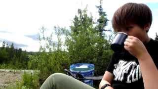 女子ソロキャンプ練習でホットドックに食らいつく!カナダ,ユーコン