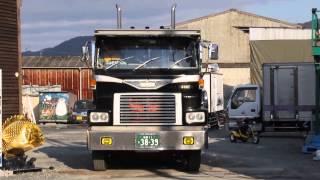 *デコトラ マニ割り* ビンテージトラック 1974(昭和49)年製 日野ハイキャブトラクタ HE