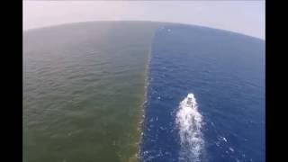 Beauty of nature ( 2 sea meets but doesn't mix with each other )