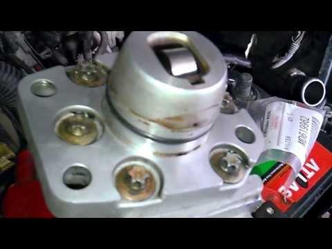 Mitsubishi Pajero IO(тнвд) топливный насос высокого давления.