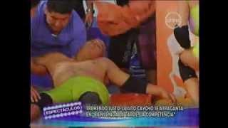getlinkyoutube.com-Luisito Caycho se atraganto con huevos en pleno juego