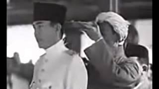 getlinkyoutube.com-Pelantikan Presiden RIS Pertama Soekarno