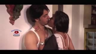 City Aunty kissing scene _couplekiss