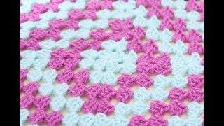 getlinkyoutube.com-Crochet for beginners : Easy traditional granny square