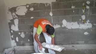 getlinkyoutube.com-Gesso Florency.Como aplicar gesso liso na parede parte 1