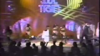getlinkyoutube.com-Joey B Ellis Soul Train.m4v