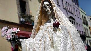 getlinkyoutube.com-La historia de la Santísima Muerte