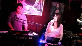 getlinkyoutube.com-One Hello by Aliya Parcs and Maki Ricafort of Southborder @ Cafe Marcello