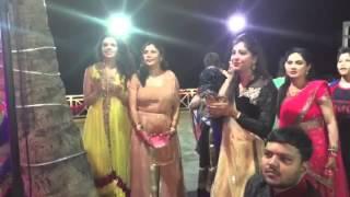 getlinkyoutube.com-Jawani Le doobi live by Uvie