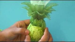 getlinkyoutube.com-Fabrication d'un ananas en collant / Nylon Ananas