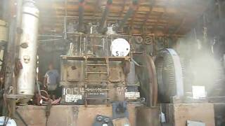 getlinkyoutube.com-1930' Chicago Pneumatic Power Plant Engine Start and Run