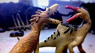 getlinkyoutube.com-Yutyrannus vs Deinocheirus | Dinosaur Claymation Fight
