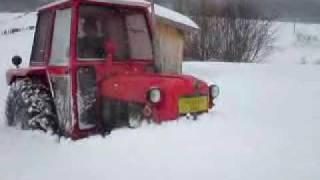 getlinkyoutube.com-IMT 533 u snijegu.MP4