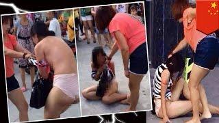 getlinkyoutube.com-VIDEO: Babae, hinubaran at binugbog ang kerida ng asawa, sa kalsada!