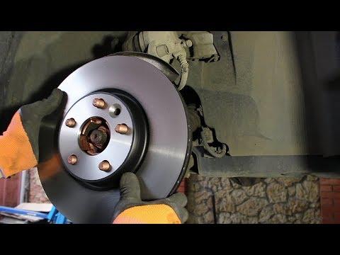 Замена передних тормозных дисков и колодок на Range Rover Evoque 2,2 Ленд Ровер Эвок 2012 года