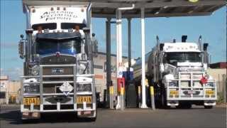 getlinkyoutube.com-Road Trains on the track, Northern Territory
