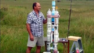 2-Stage Water Rocket flies to 810' (246m)