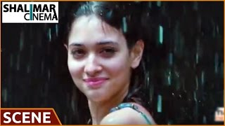 getlinkyoutube.com-Racha Movie || Tamanna Bathing Scene || Ram Charan, Tamanna || Shalimarcinema