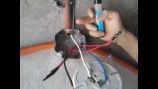getlinkyoutube.com-Como controlar una lámpara con dos apagadores de escalera (Método de Puentes) 1ra Parte