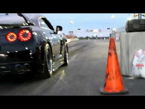 Nissan GTR vs LP560 TT