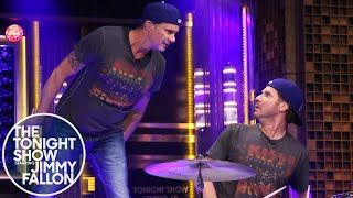 getlinkyoutube.com-Will Ferrell and Chad Smith Drum-Off