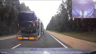 مطاردة مثيرة بين سيارة شرطة وشاحنة محملة بالسيارات