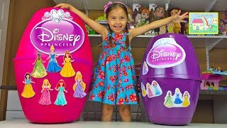 getlinkyoutube.com-MEGA HUGE DISNEY PRINCESS SURPRISE EGGS WORLDS BIGGEST TOY OPENING MagiClip Play-Doh Kid-Friendly