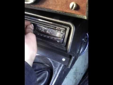 Где передний ступичный подшипник в Москвич 2140