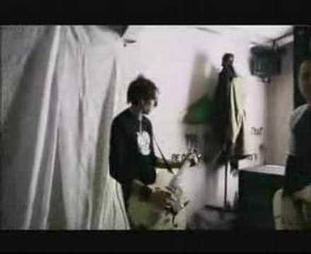 Things Fall Apart de Serafin Letra y Video