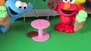 getlinkyoutube.com-Sesame Street Playset Cookie Monster, Big Bird, Elmo Hoopers Store Play Doh Cookies Playdoh Icecream