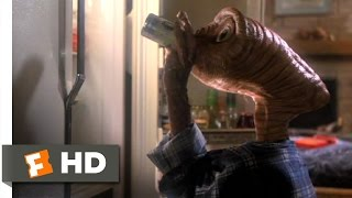 getlinkyoutube.com-E.T.: The Extra-Terrestrial (2/10) Movie CLIP - Getting Drunk (1982) HD