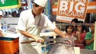 getlinkyoutube.com-Last Tuna cutting of Kyushu Food Fair 2011