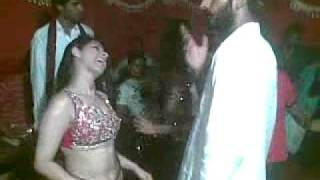 getlinkyoutube.com-Mujra iffi Butt Gang 1.mp4