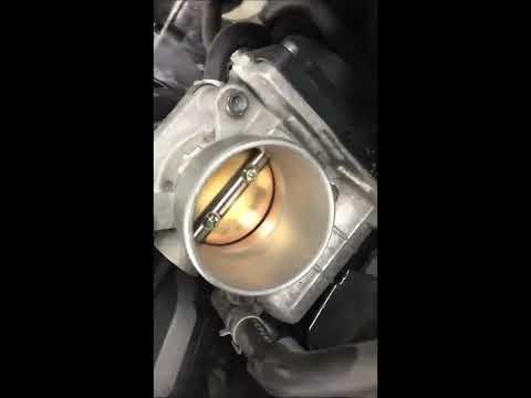 Замена свечей в автомобиле Инфинити