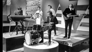 getlinkyoutube.com-This Old Heart Of Mine - The zombies, BBC