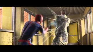 getlinkyoutube.com-Spider-Man vs. The Lizard (School/Third Encounter) - The Amazing Spider-Man