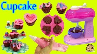 getlinkyoutube.com-Make Real Cupcakes with Cool Baker Magic Mixer Maker Playset and Chef Barbie Doll