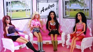 getlinkyoutube.com-Barbie - Mi mejor amiga habla mal de mí - El show de Andre Talk Show con muñecas y juguetes