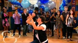 getlinkyoutube.com-buena suerte charlie-   spencer y m bailando