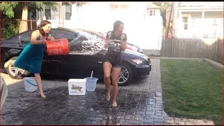 getlinkyoutube.com-2 Girls, 9 Buckets - ALS Ice Bucket Challenge
