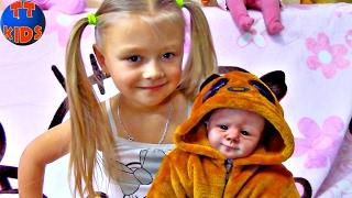 getlinkyoutube.com-Little Girl Crying Silicone Reborn Baby Doll | Силиконовая Живая Кукла Реборн Видео для детей
