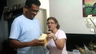 getlinkyoutube.com-Anunciando a gravidez para vovô e vovó. A MELHOR DE TODAS AS REAÇÕES!